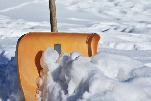 snow-shovel-2001776